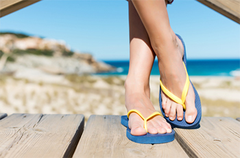 Flip-Flops—a Total Flop for Your Feet? | Contributed by: Ritu Mathur, DPM
